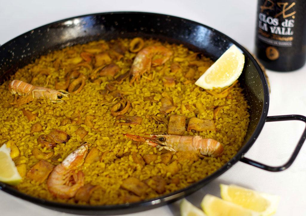 gastronomía valenciana paella
