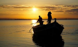 Comida a la carta y paseo en barca